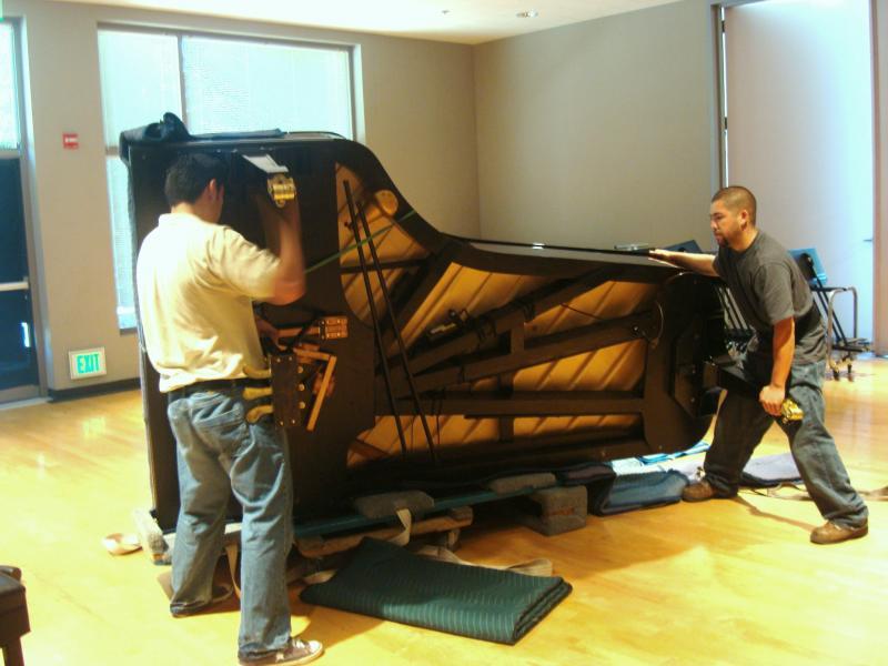 moving piano